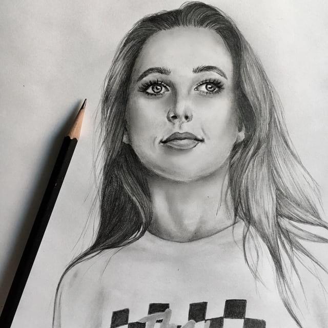 Эмма Чемберлен, рисунок карандашом