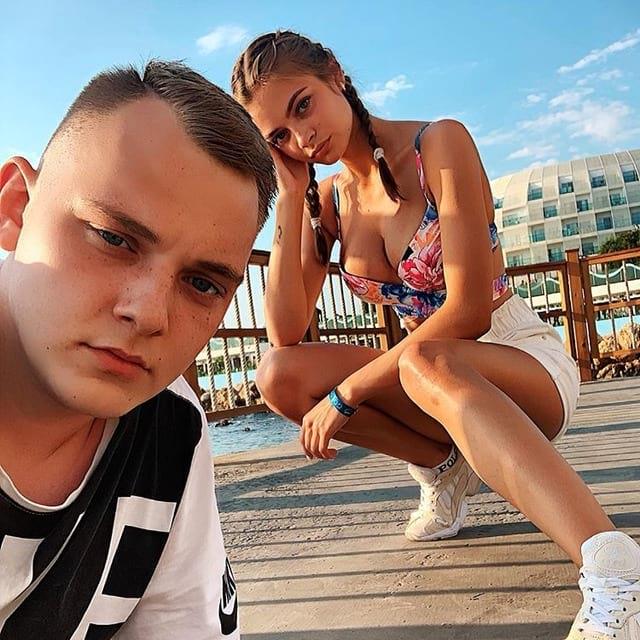 Аня Ищук и её парень Александр