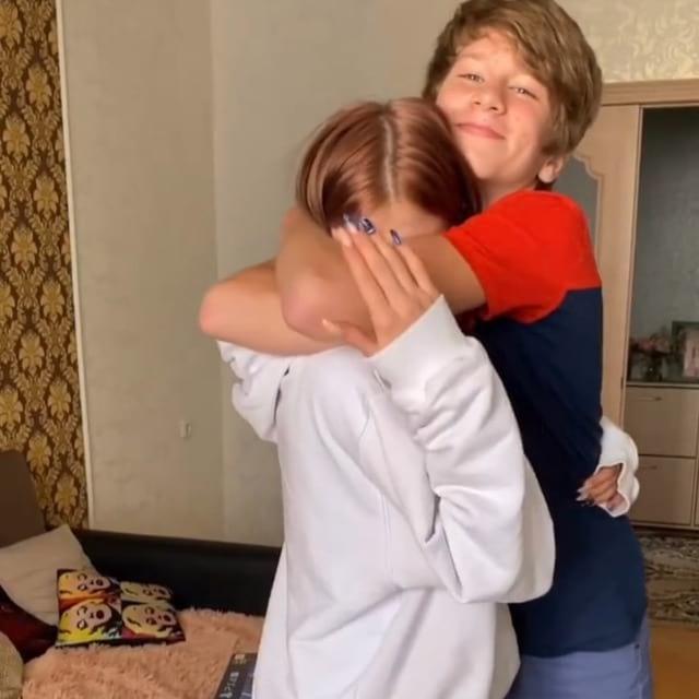 Маруся Климова с младшим братом