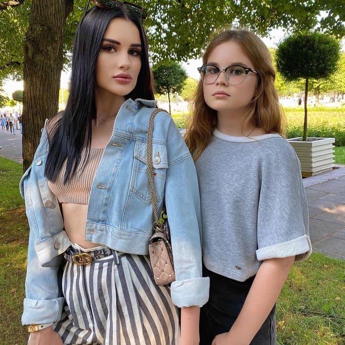 Карина и Соня Аракелян