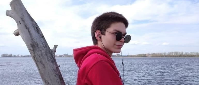 Юрий Карпов: певец, музыкант и тиктокер